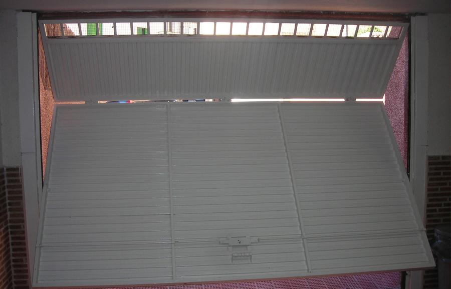 Presupuesto reparar puerta garaje online habitissimo - Puertas de dos hojas ...