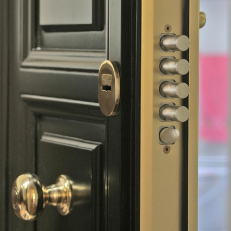 Presupuesto instalar puertas online habitissimo for Puertas blindadas precios