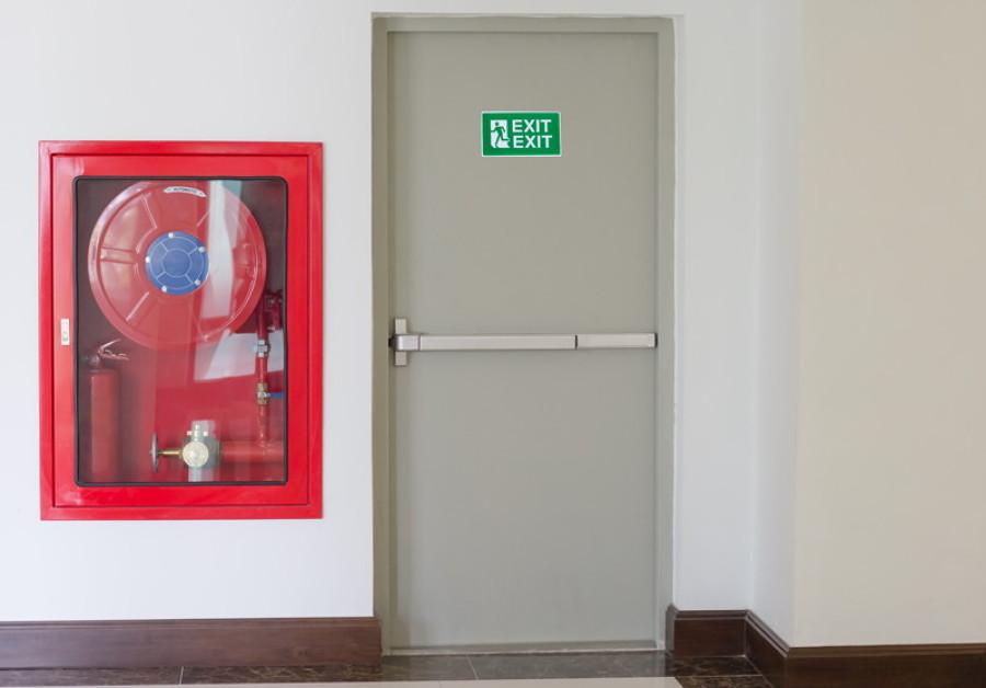 ¿Cuánto cuesta instalar una puerta cortafuegos?