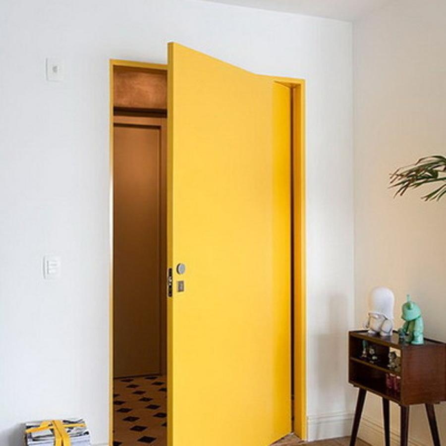 Como pintar puertas viejas good reparar la jamba de - Renovar puertas sapelly ...