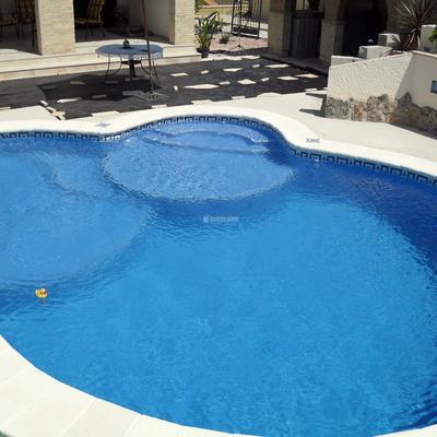 Reducción del fondo de la piscina