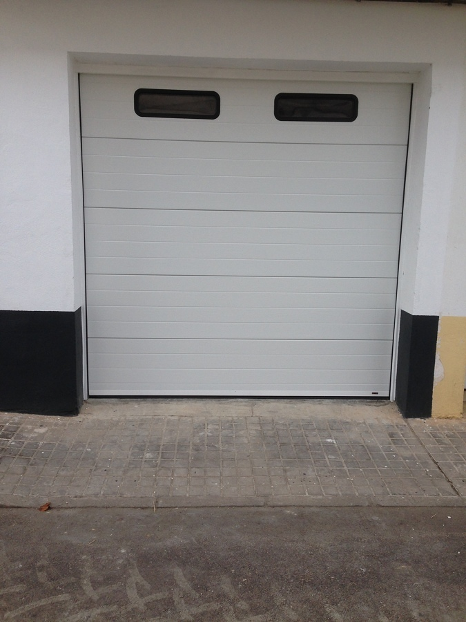 Presupuestos y precios para reparar puertas de garaje - Motor puerta garaje precio ...
