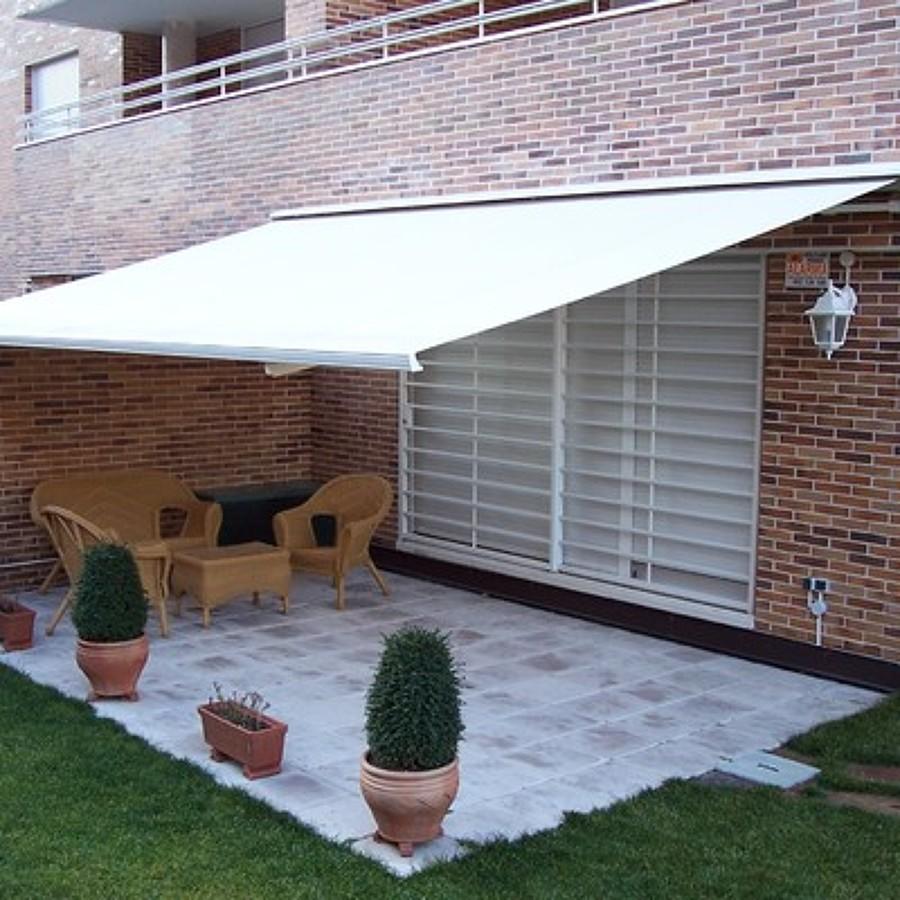 Precio toldo terraza affordable vista aerea montaje en for Repuestos para toldos