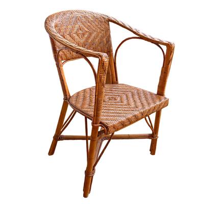Barnizar muebles de mimbre