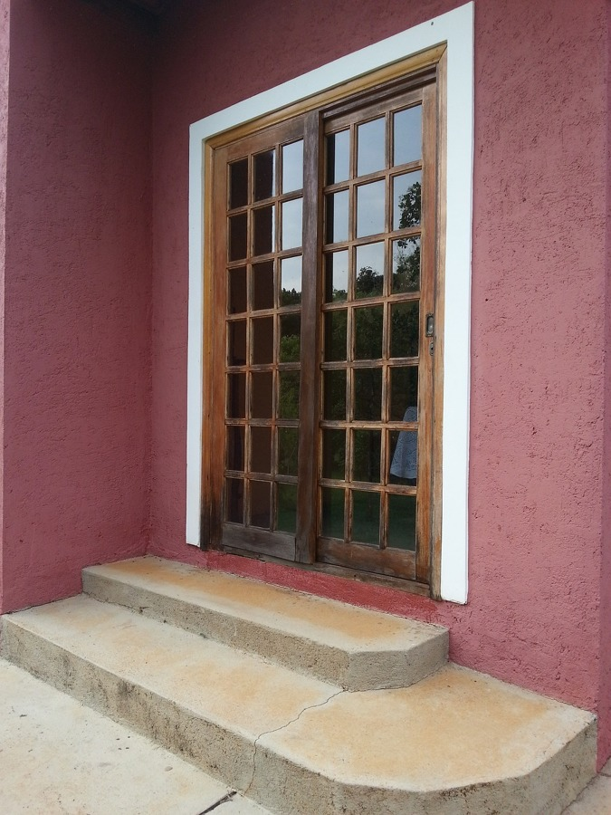 Pintura base para puertas