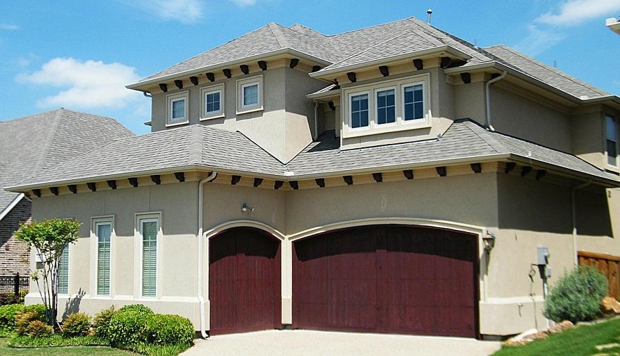 Puertas de garaje según el material