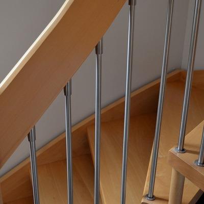 Limpieza de escaleras de madera