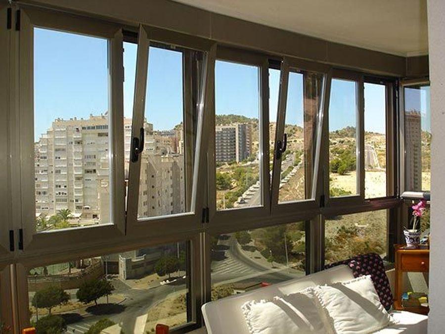 Presupuesto cambiar ventanas a oscilobatientes online for Puerta oscilobatiente