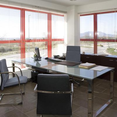 Oficinas con colores claros