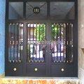 Puerta de entrada en comunidad de vecinos