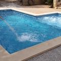 piscina con cañon masaje y zona de burbujas