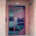 Puertas de entrada edificios.
