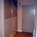 Armario de 2 puertas correderas lacado pergamo, puerta blindada lacada el mismo color