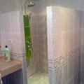 Baño y ducha hidromasaje