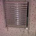 baño2, personalizado con radiador toallero cromado