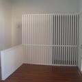 Barrandilla y armario lacado en blanco
