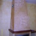 Chimenea con terminacion en efectos decorativos rusticos texturon naturpiedra