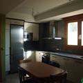 Cocina de obra nueva de vivienda piloto totalmente decorada en Utebo