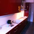 Cocina estratificado rojo