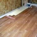 colocacion de piso tipo madera formato tablilla