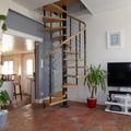 Colocacion de una escalera y pintura