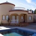 Construcción chalet con piscina