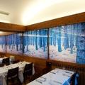 Cristal con vinilo en restaurante