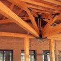 Decoración madera en porche
