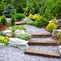 escalera de traviesas y granito