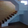Escalera fabricada en roble macizo