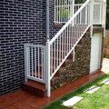 Escalera nueva,revestida de piedra