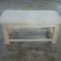 Mesa de centro de madera maciza.