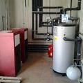 Instalación de calderas de pellet y acumuladores de ACS
