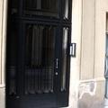 Instalación puerta entrada edificio