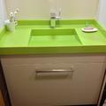 Lavabo integrado en silestone verde fun