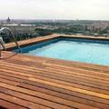 Madera IPE en piscina del ático