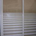 Mampara con puertas correderas