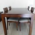 mesa de comedor de cedro color nogal