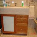 Mueble de baño a medida en cerezo