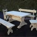 Muebles de pino y roble