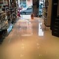 Pintar suelo de tienda