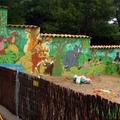 Pintura decorativa en el muro exterior en finca de un particular .Encinar del Alberche
