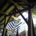 Pórtico en madera para soporte de cumbrera y correas.
