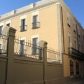 Proyecto arquitectónico y dirección técnica de: Rehabilitación y ampliación de edificio modernista en Sabadell.