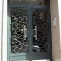 Puerta comunidad contemporánea