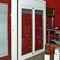 Puerta corredera, ventana, persiana y marcos.