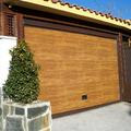 puerta de garaje seccional madera