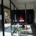 Puerta entrada con plinton