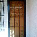 Puertas de hierro.
