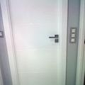 puertas de paso ciegas en blanco lacado con manilla cuadrada personalizadas
